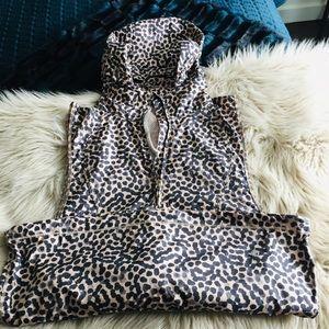 Lululemon Vest w/leapord print